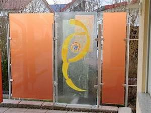 Windschutz Aus Glas : windschutz und sichtschutz aus farbigem glas und edelstahl ~ Watch28wear.com Haus und Dekorationen