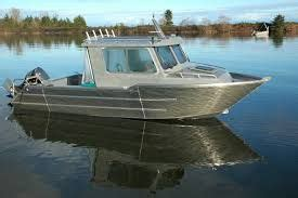 Boat Paint Bcf by Boats Cruiser Boat And On