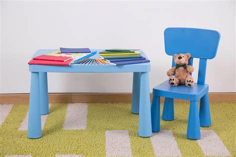 chaise de table pour bébé table et chaise pour enfant formats matériaux prix