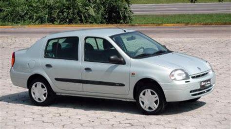 renault clio 2002 sedan renault press historic vehicles clio sedan