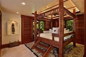 Lit A Baldaquin En Bois : 15 chambres de caract re l aide d un lit rustique ~ Teatrodelosmanantiales.com Idées de Décoration