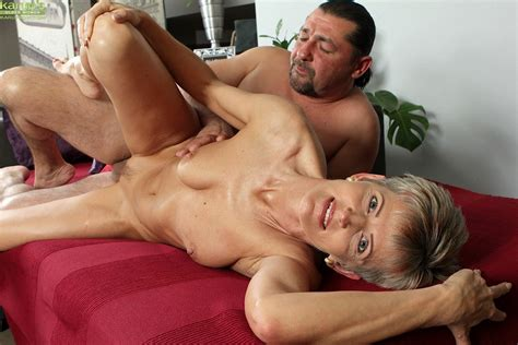 Mature Melanie Gets A Healthy Fucking At Mature Sex Pictures