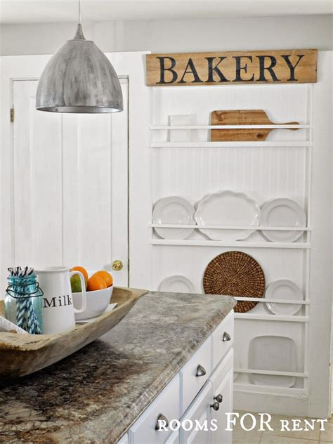 plate display rooms  rent rustic cottage style plates  wall
