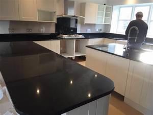 Granit Nero Assoluto : nero assoluto in gloucestershire ~ Frokenaadalensverden.com Haus und Dekorationen