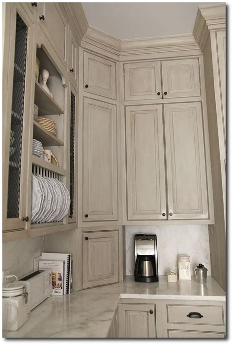 Chalk Paint Colors For Cabinets by 1000 Ideas About Chalk Paint Cabinets On