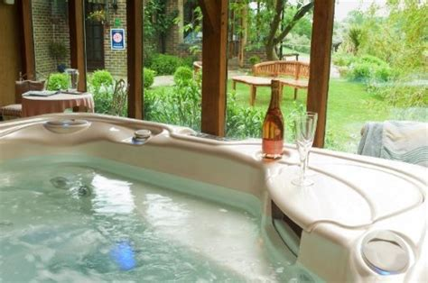 accommodation tub cottages with tubs farm stay uk