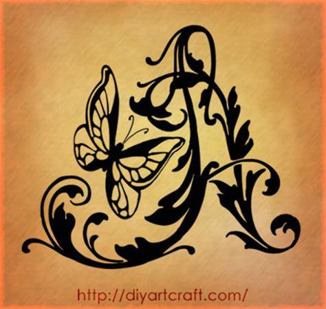 tatuaggi lettere m g wave butterfly