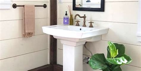 Pedestal Sink For Small Bathroom by Bathroom Pedestal Sinks