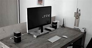 The beautifully simple Mac desk setup of an Electrical ...