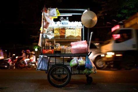 cuisine de rue a la découverte de la cuisine de rue de hanoi