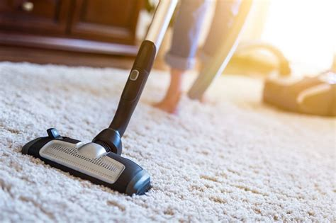 How To Keep Your Carpet Looking Guest-ready