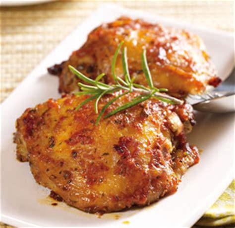 cuisiner haut de cuisse de poulet cuisse et découpe de cuisse de poulet cuit rôti pilon haut de cuisse et sauté volatys