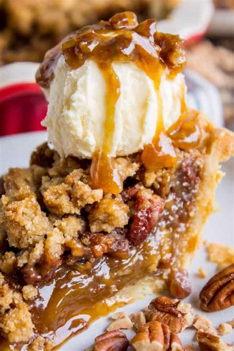pecan pie recipe  buttery streusel topping  food