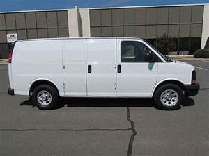 Purchase Used 2009 Chevrolet Express 1500 Base Standard