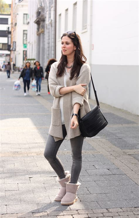 Outfit Casual in Ugg Selene booties - THE STYLING DUTCHMAN.