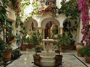 Casa Con Patio Interior  El Encanto De Un Tipo De
