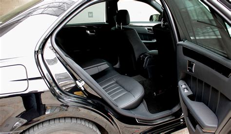 Full review at car magazine. Limousine - Mercedes-Benz E 220 d - ® INTERLINE Frankfurt