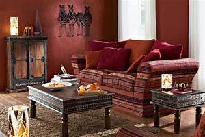 nouvelle idee deco salon orientale With tapis oriental avec canapé en cuir rouge
