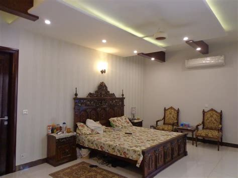 Bedroom Designs For A by 4 Tips To Decorate Your Small Bedroom And Make It Look Big