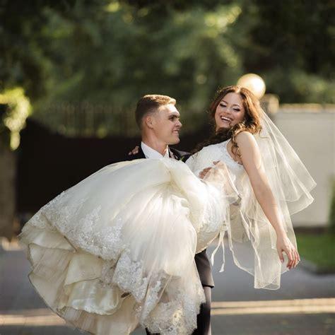 quand faire les photos de mariage quelles poses prendre pour 234 tre sur ses photos de