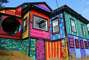 Hausfassade Neu Streichen : hausfassade streichen bringen sie alle regenbogenfarben zum einsatz ~ Markanthonyermac.com Haus und Dekorationen