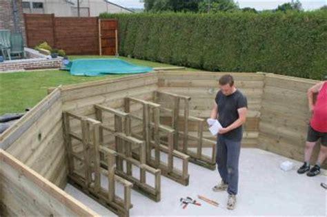 piscine bois avec escalier integre montage de l escalier immerg 233 construction d une piscine wood line