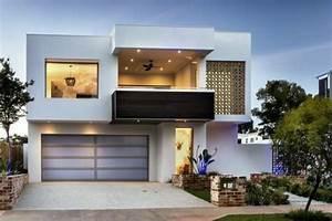 Garage Im Haus : sch ne terrasse und gro er garage im wei en luxus haus ~ Lizthompson.info Haus und Dekorationen