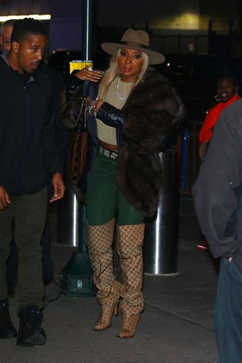 mary  bliges ers  knicks game gucci thigh high monogram boots belt  bag