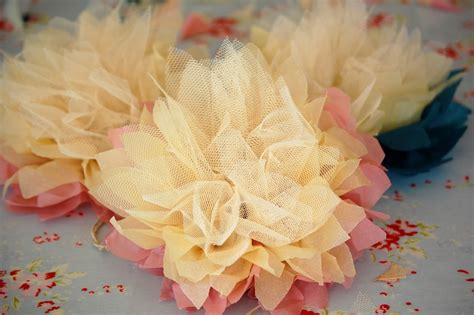 bloemen tule zelf maken met zijdepapier en tule bloem freubelweb