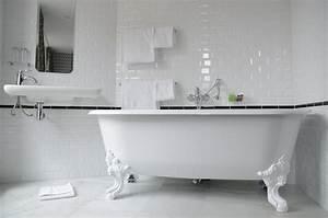 1000 images about bathrooms wcs on pinterest bathroom With carrelage salle de bain blanc brillant