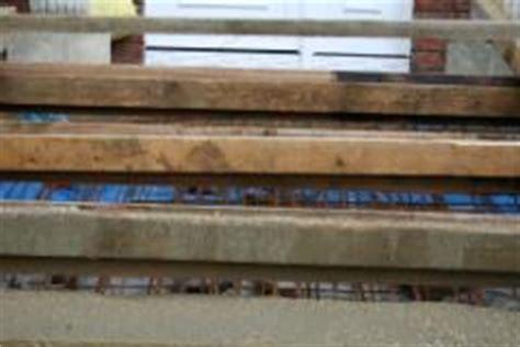 teppichfliesen für treppenstufen treppe zum hauseingang bauunternehmen