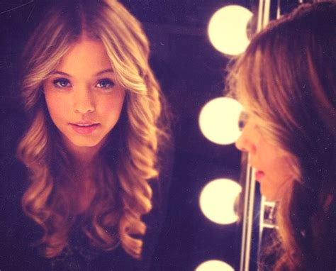 Pin de Breanna Nicole em Movies And Musics | Beleza, Pll