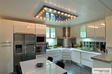 spot dans cuisine cuisine le plafond tendu barrisol dans votre cuisine