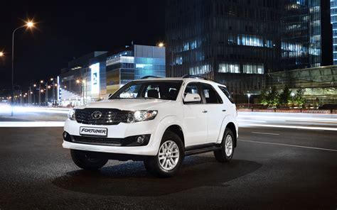 toyota jeep 2015 comparison toyota fortuner 3 0 4x4 at 2015 vs jeep
