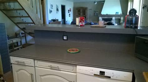 comment recouvrir un carrelage de cuisine top peindre le carrelage cuisine mur et plan de travail
