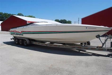 Performance Boats For Sale In Ky by 1992 Used Cigarette Racing High Performance Boat For Sale