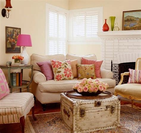 30 Country Chic Living Rooms For Modern Antique Feel