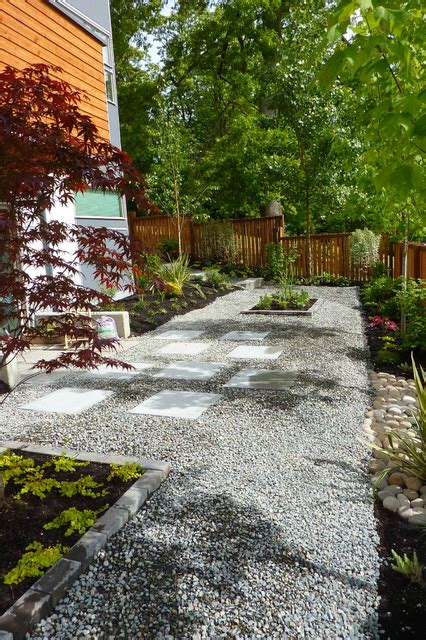Landscape Backyard Design Ideas by Contemporary Gravel Garden Contemporary Landscape