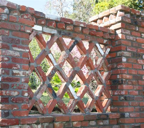 brick lattice fence traditional landscape los