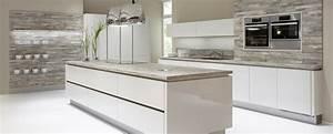 Küchen Mit Elektrogeräten Günstig Kaufen : k chen g nstig online kaufen k chen planen m bel boss ~ Bigdaddyawards.com Haus und Dekorationen