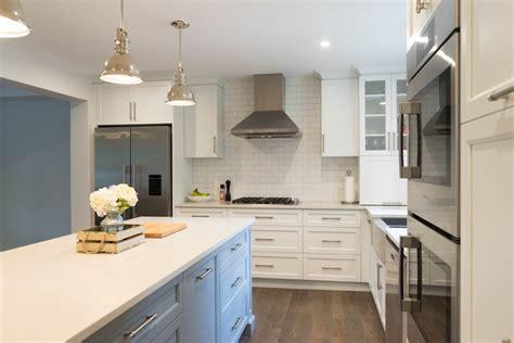 cuisine en blanc armoires de cuisine en mdf laqué blanc et gris cuisines