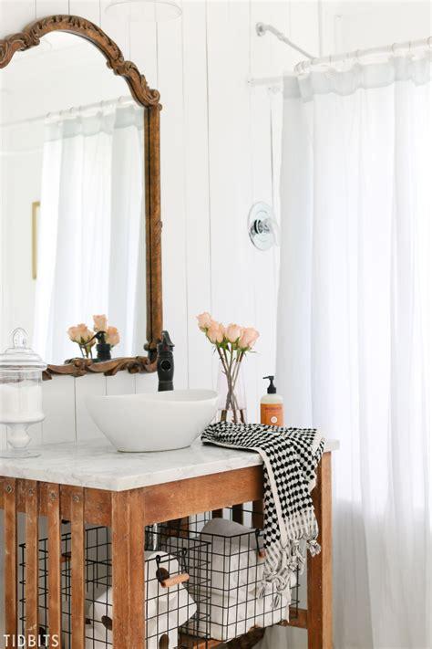 Fall Bathroom