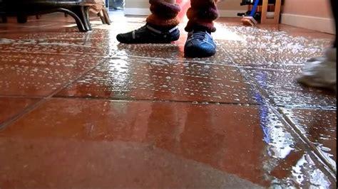 how to clean ceramic tile kitchen floor ceramic tile floor cleaning 9329