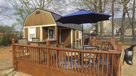 tiny barn style cabin  alpharetta georgia