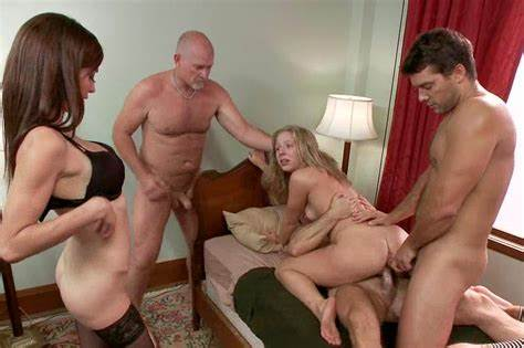 Group Lustful Harlot Swap Some Facial
