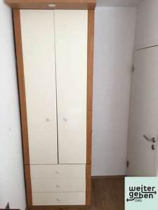 Großer Kleiderschrank Ikea : hoher kleiderschrank wird in landau gespendet a195 ~ Frokenaadalensverden.com Haus und Dekorationen
