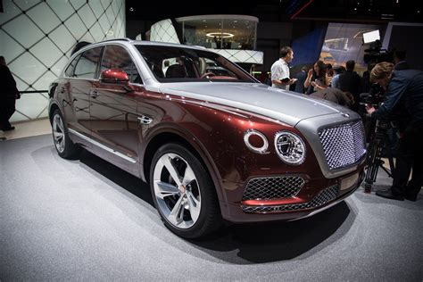 bentley bentayga plug  hybrid offers  miles  ev
