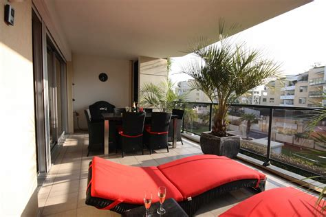 Apartment Furniture by Apartment Balcony Furniture Homesfeed