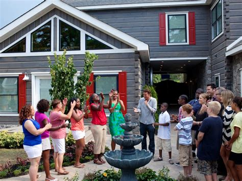 'Extreme Makeover: Home Edition' revival announced by HGTV ...