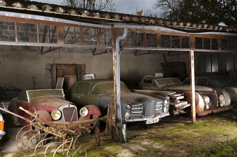 Abandoned Cars in Barns US 2016. Old Vintage Cars ...